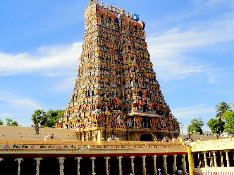 Meenakshi Temple in the state of Tamil Nadu