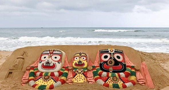 Puri beach's sand sculptures of the idols