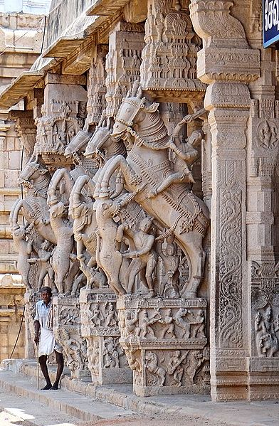 Majestic sculptures on the walls of Ranganathaswamy Temple