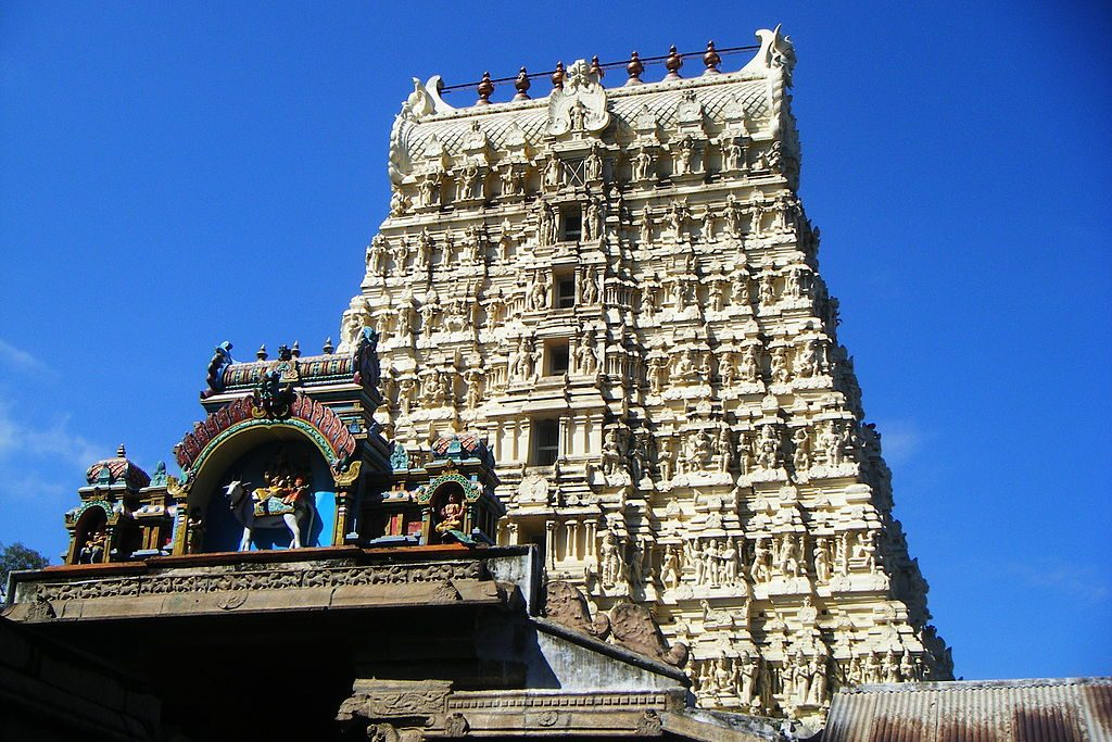 Gopuram of Papanasanathar Temple in Tirunelveli