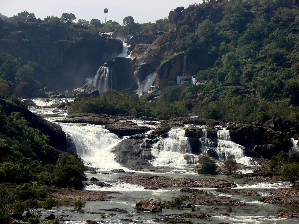 Agasthiar waterfalls near the Papanasanathar Temple