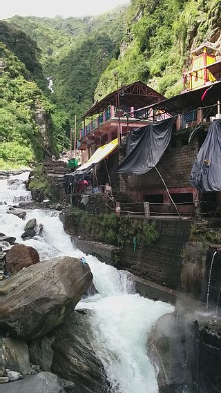 Yamunotri temple beside Yamuna river