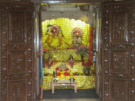 Entrance to the Kokilavan Shani temple