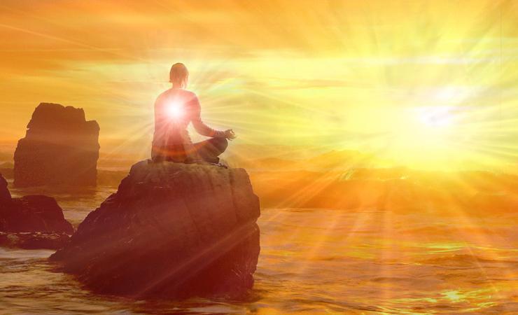 Prayers to Surya and chanting mantras