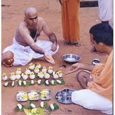 Brahmin organising Pitra Puja