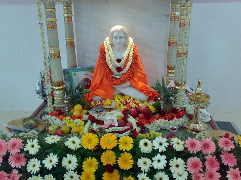 Mahavatar Babaji Statue